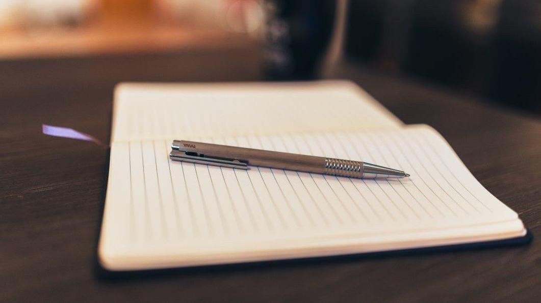 negative-space-coffee-notebook-pen-writing-Custom-1
